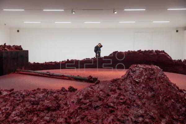 Anish Kapoor launches first solo China show