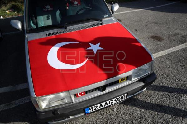 Rebels with a cause: Turkey's youth revamp vintage cars