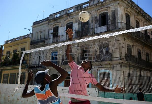 Soccer is used to involve Havana youngsters in community life