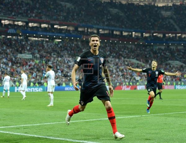 Mario Mandzukic of Croatia celebrates scoring the 2-1 lead during the FIFA World Cup 2018 semi final soccer match between Croatia and England in Moscow, Russia, 11 July 2018. EFE