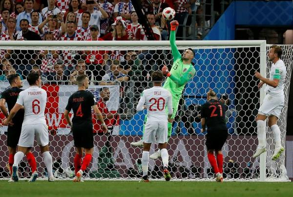 Croatia goalkeeper Danijel Subasic punches the ball over the cross-bar during the World Cup 2018 semifinal against England in Moscow on Wednesday, July 11. EFE/EPA/YURI KOCHETKOV