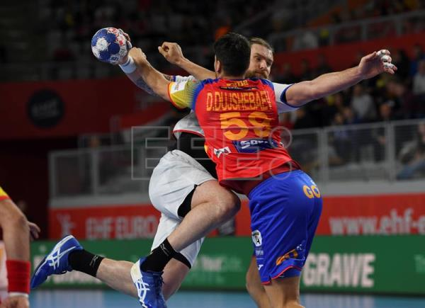 Daniel Dujshebaev (L) of Spain in action against Pavel Horak (R) of Czech Republic during the EHF European Men's Handball Championship 2018 group D match between Spain and Czech Republic in Varazdin, Croatia. EFE/EPA