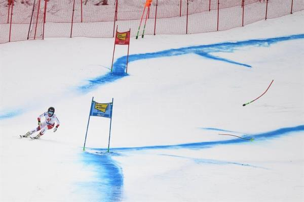 Lara Gut of Switzerland in action during the Women's Super-G race of the FIS Alpine Ski World Cup in Bad Kleinkirchheim, Austria. EFE/EPA