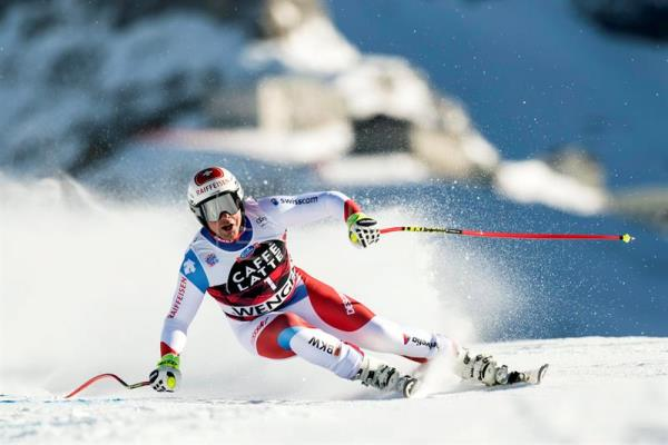 Beat Feuz of Switzerland in action during the Men's Downhill race at the FIS Alpine Skiing World Cup in Wengen, Switzerland. EFE/EPA
