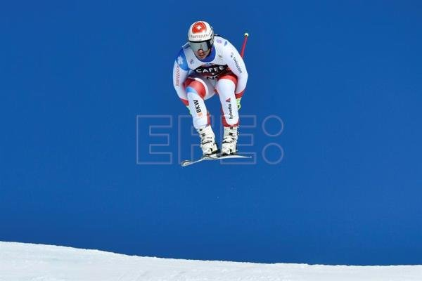 Beat Feuz from Switzerland in action during the men's downhill race at the FIS Alpine Skiing World Cup in Wengen, Switzerland. (Suiza) EFE/EPA