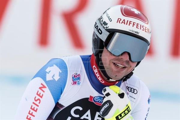 Beat Feuz from Switzerland reacts in the finish area during the men's downhill race at the FIS Alpine Skiing World Cup in Wengen, Switzerland, 13 January 2018. (Suiza) EFE/EPA