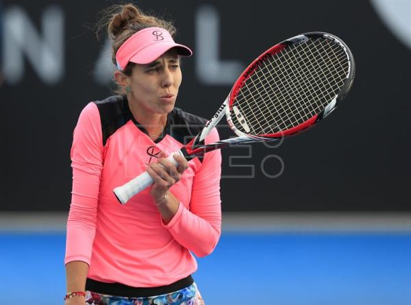 Mihaela Buzarnescu of Romania appeals a line call during the women's finals match against Elise Mertens of Belgium at the Hobart International tennis tournament at Domain Tennis Centre, Hobart, Tasmania, Australia, 13 January 2018. EFE
