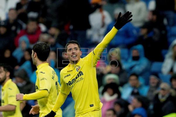 Villarreal CF midfielder Pablo Fornals celebrates after scoring what proved to be the game winner against Real Madrid during a La Liga match at Santiago Bernabeu Stadium in Madrid, Spain, Jan. 13, 2018. EPA-EFE/Rodrigo Jimenez