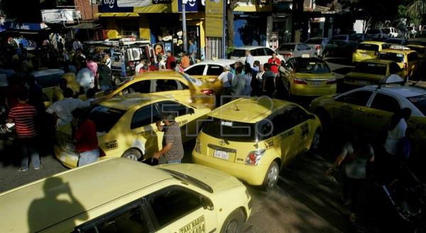 Paraguayan cabbies protest arrival of Uber