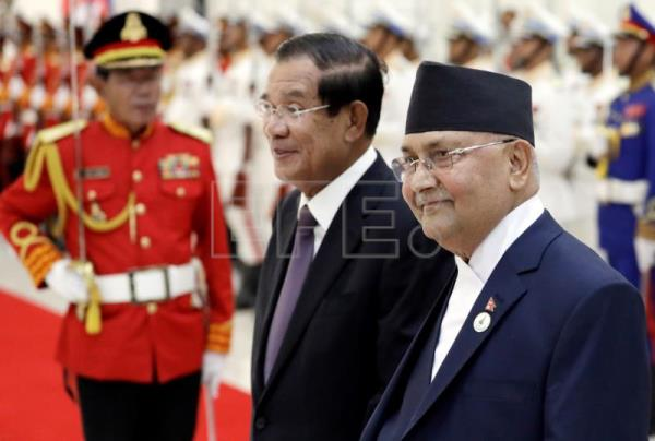 Nepal prime minister arrives to a warm welcome in Cambodia