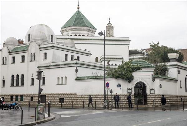 Report: Islamic radicals in control of 89 French mosques