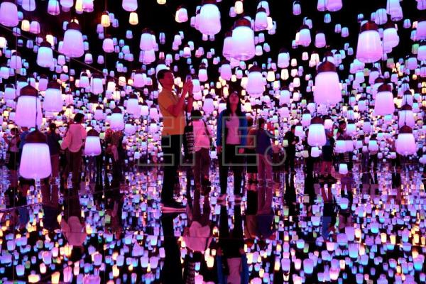 Immersive explosion of color at Japan's Digital Art Museum