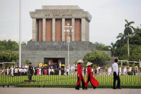 Vietnam calls in Russian experts to help maintain Ho Chi Minh's mummy