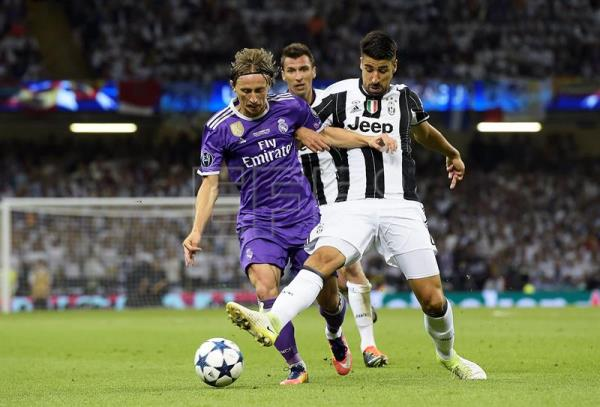 b537dc298fe Real Madrid s Modric takes jersey No. 10 after departure of James Rodriguez