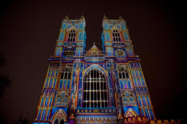 A light installation projected onto Westminster Abbey during the Lumiere Festival 2018 in London, Britain, Jan. 17, 2018. EPA-EFE/WILL OLIVER