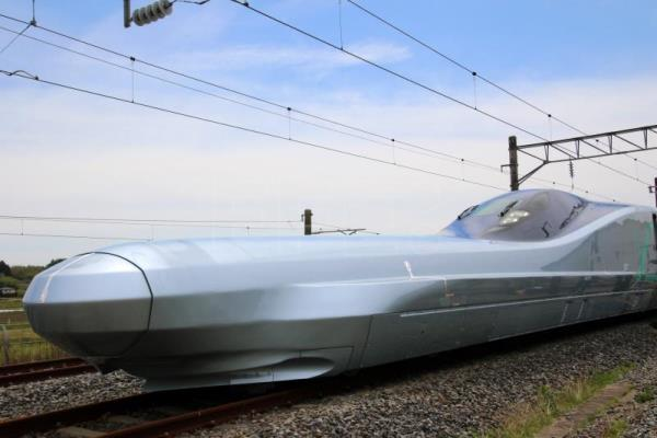 Fastest shinkansen train to begin test runs in Japan