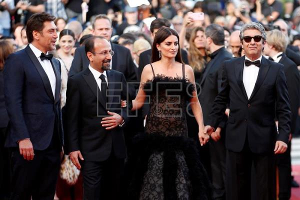 Penelope Cruz, Bardem, Darin, Hispanic glamor at Cannes Film