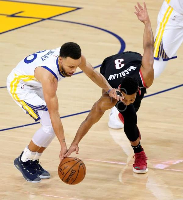 116-94. Curry se exhibe ante Trail Blazers y Warriors comienzan arrolladores