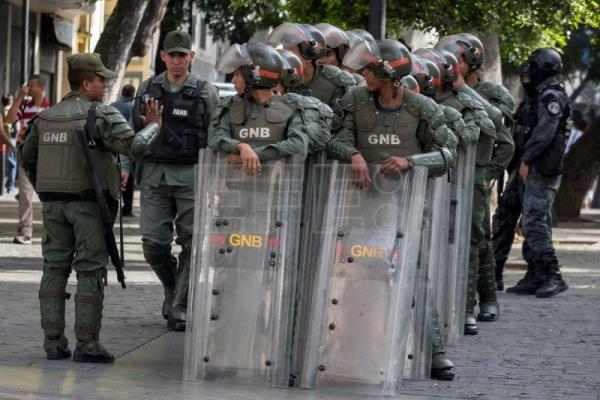 Police operation to find explosive prevents Venezuelan parliament session