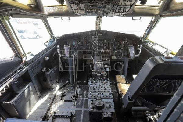 View of the cockpit of a Boeing 737-200, being dismantled by Technicians from the German airline Lufthansa, in Fortaleza, Brazil, Sept. 13, 2017. EPA-EFE/Jarbas Oliveira