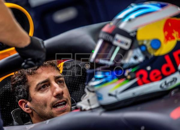 Alonso, Ricciardo, Verstappen handed grid penalty over engine change
