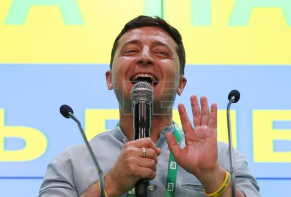 Volodymyr Zelensky to form first solo government in Ukraine history