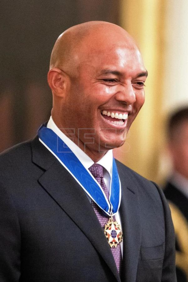 Baseball legend Mariano Rivera receives Medal of Freedom from Trump