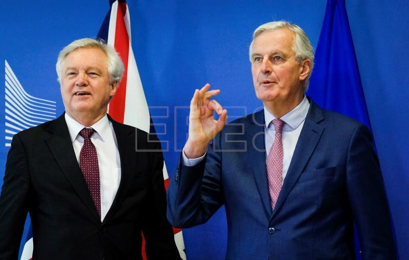 EU, UK reach deal over Brexit transition period, no Ireland arrangement yet