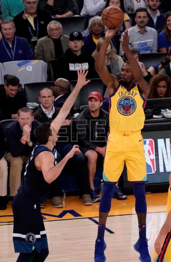 126-113. Durant, con triple-doble, lidera la exhibición de los Warriors