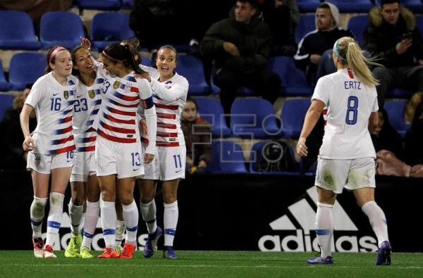 Us Women S National Soccer Team Star Says She Wants To Be A Game