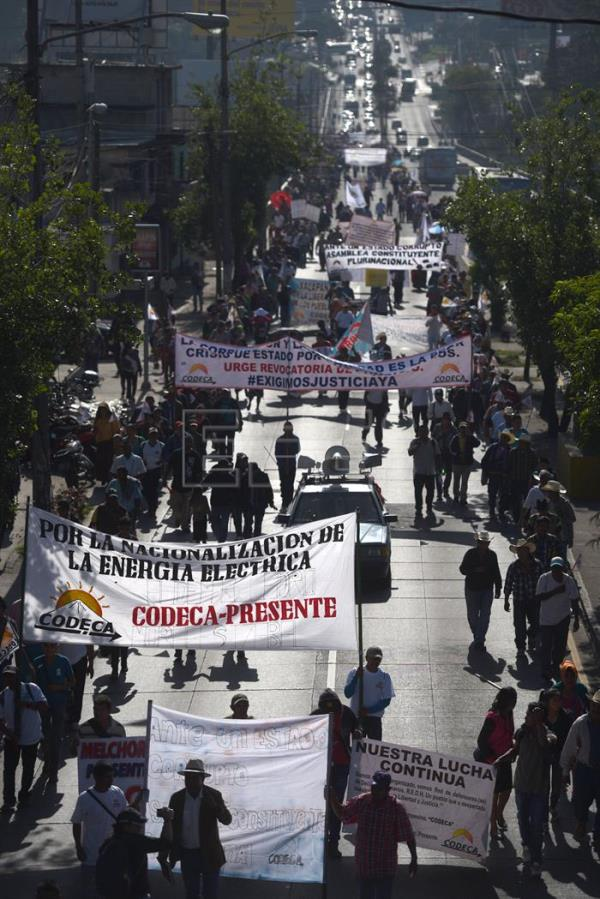 Thousands march to demand Guatemalan president's resignation