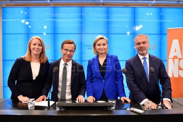 The Swedish 'Alliansen' party leaders (L-R) Annie Loof (Centre), Ulf Kristersson (Moderate), Ebba Busch Thor (Christian Democrats), and Jan Bjorklund (Liberals) pose during a media conference in the Swedish parliment in Stockholm, 12 September 2018. EPA/HENRIK MONTGOMERY