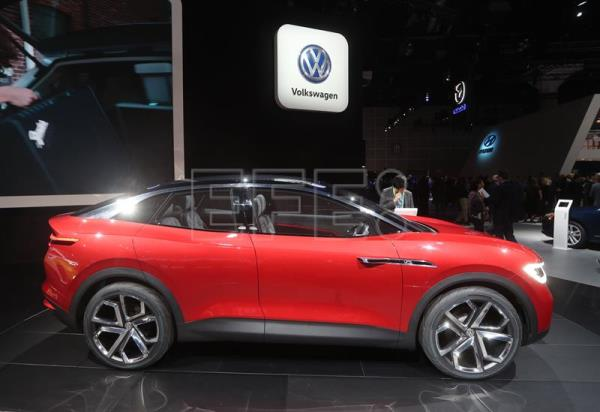 SUVs And Electric Cars Are The Main Stars At LA Motor Show - Car show usa