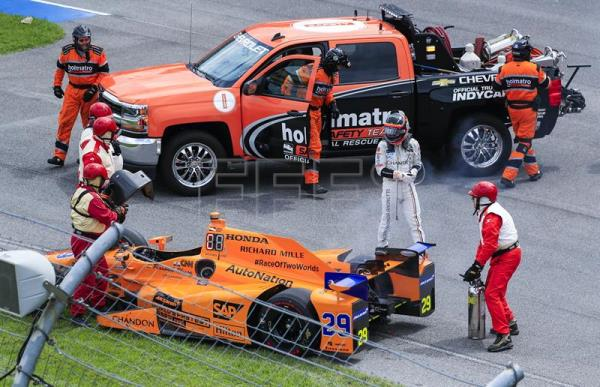 spain 39 s alonso pulls out of indy 500 with 21 laps to go outstanding english edition. Black Bedroom Furniture Sets. Home Design Ideas
