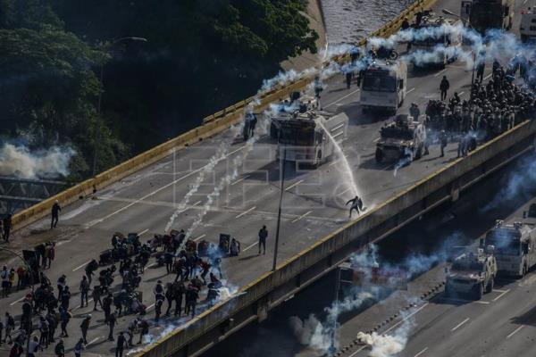 Venezuela's opposition calls for more protests to block Constituent Assembly