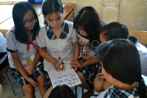 Vietnam lags behind in sex education owing to lack of resources