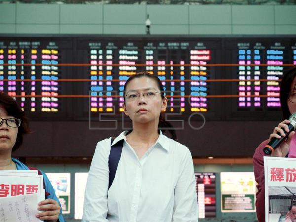 China cancels entry permit of wife of detained Taiwanese activist