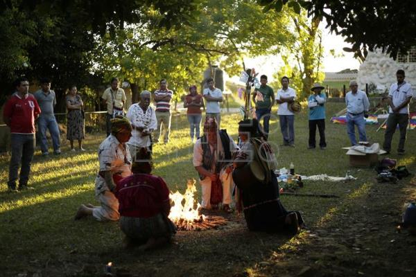 El Salvador's Indians recall 1932 massacre, demand justice