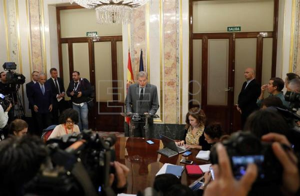 Spain government takes 1st steps towards rescinding Catalan regional autonomy