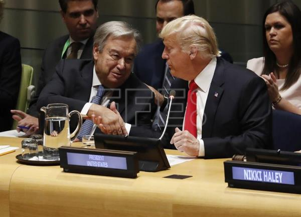 US President Donald Trump (r.) and UN Secretary General Antonio Gutierrez shake hands on Sept 24, 2018,  at the start of a meeting of international leaders at United Nations headquarters about the drug problem, held as an adjunct to the organization's General Assembly. EFE-EPA/Jason Szenes