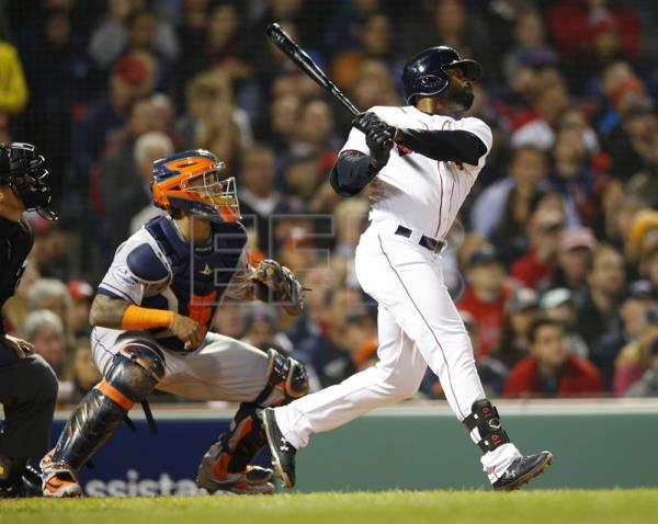 Bradley helps Red Sox beat Astros 7-5, level ALCS 1-1