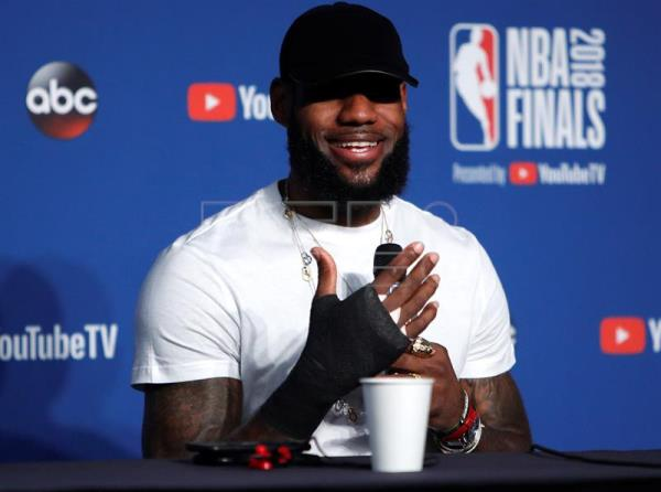 Cleveland Cavaliers forward LeBron James responds to a question during post NBA Finals in game four after losing to the Golden State Warriors at Quicken Loans Arena in Cleveland, Ohio, USA, Jun 8, 2018. EPA-EFE FILE/DAVID MAXWELL SHUTTERSTOCK OUT