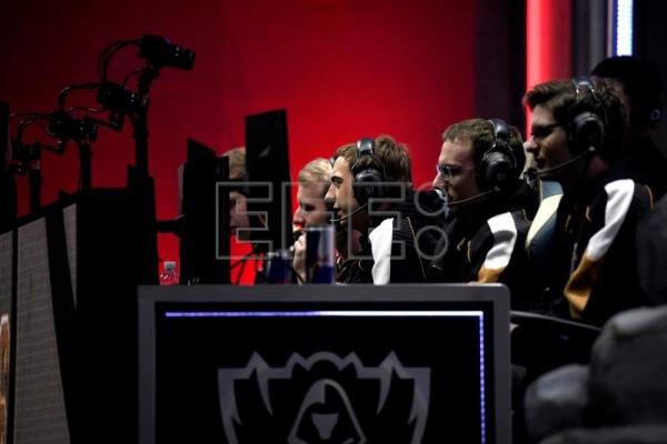 "Paris set for ""League of Legends"" G2 vs FPX final"