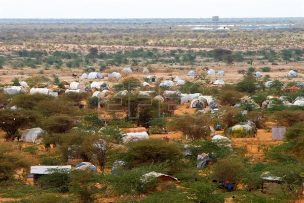 Kenya told to reconsider shutting massive Somali refugee camp