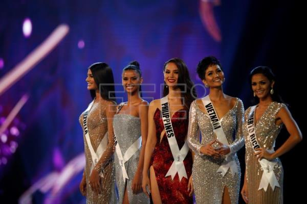 00576c0b224d6 Mother predicted Philippines  Catriona Gray would one day win Miss ...