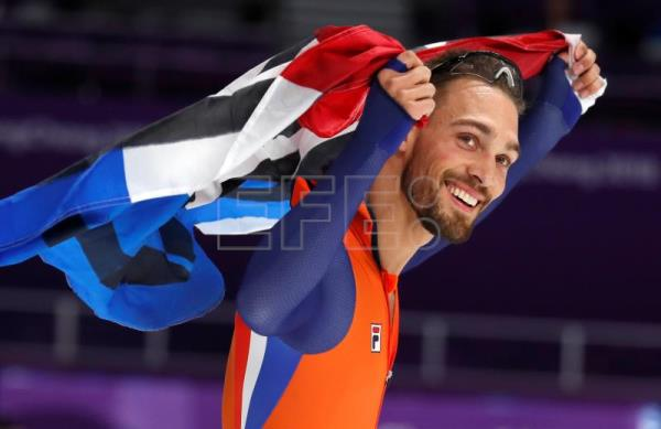 Kjeld Nuis Of The Netherlands Celebrates Winning The Mens Speed Skating  M Competition At The