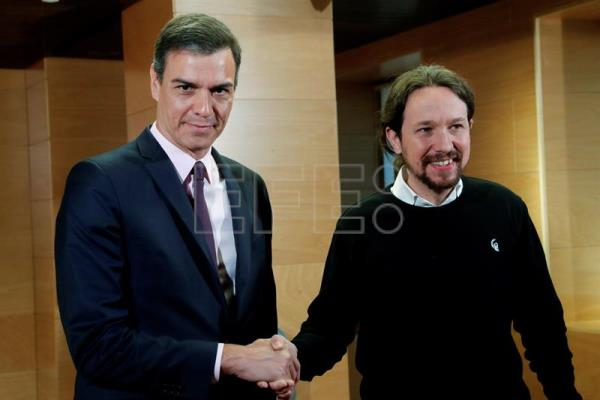 Leader of socialist party meets Podemos leader to form Government