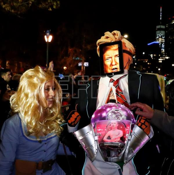 New York celebrates Halloween with a massive parade inspired by robots