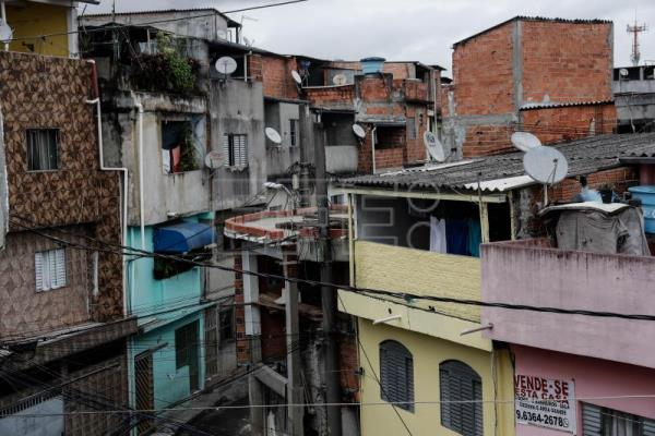 High-rise shacks becoming common sight in housing-challenged Brazilian city