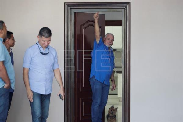 A court in Panama orders the release of Martinelli after a year imprisoned